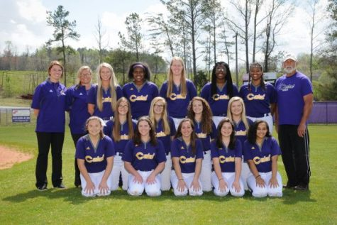 Lady Pounders Softball Team Bring Season to State Championship