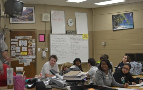 STUDENTS ENJOYING THE PERIOD SCHEDULE  -- Mrs. Tina Staton is teaching her psychology class.