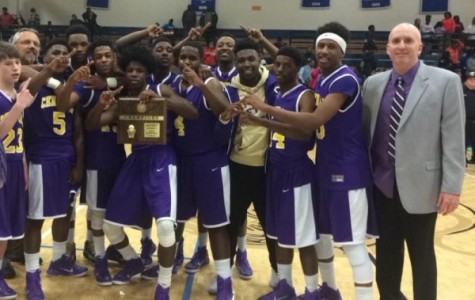 LAST YEAR'S DISTRICT CHAMPIONS STRIVE FOR ANOTHER SUCCESSFUL SEASON -- Central's boy's basketball team are hopeful for another great season.
