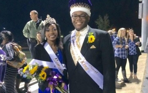 Davis is Queen, Gines Named King of Rain-Delayed Homecoming 2015