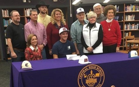 Mowery Receives Full Scholarship for Baseball
