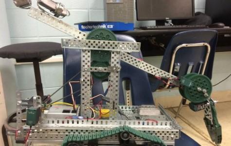Skills USA Robotics Team Works Towards State Competition