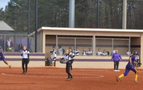 Softball Defeats Howard and East Ridge
