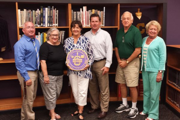 MR KING, MRS BOTTORFF, AND THE REST OF THE ALUMNI ASSOCIATION OFFICERS -- Mr. King poses for a picture with Mrs. Bottorff and the rest of the Alumni Association officers.