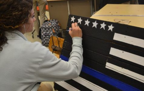 """The Thin Blue Line"" Art Project Commemorates Fallen Police Officers"