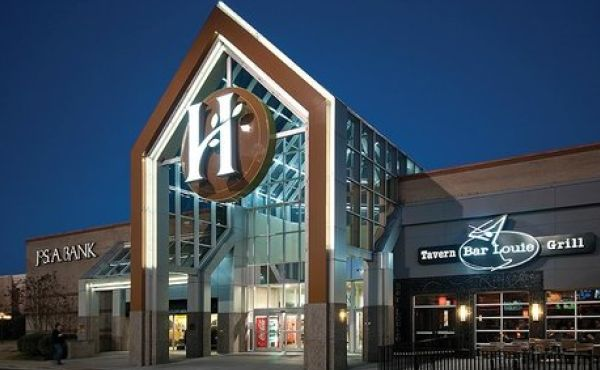 HAMILTON PLACE MALL UPDATES YOUTH ESCORT POLICY -- The entrance to Hamilton Place Mall is depicted above.