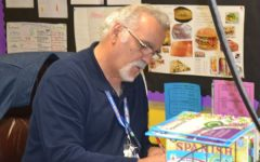 Retiring Central Spanish Teacher, Señor Tony Socarras, Says Final