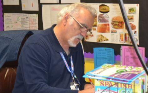 """Retiring Central Spanish Teacher, Señor Tony Socarras, Says Final """"Adios!"""""""