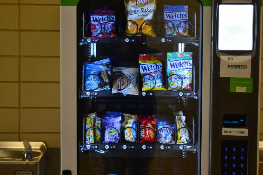 NEW VENDING MACHINES ARE POPULAR AT CENTRAL HIGH SCHOOL......  New snacks in  new vending machines