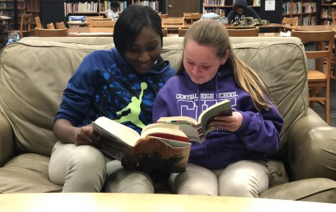 ALL GRADES AT CENTRAL TO START WEEKLY INDEPENDENT READING -- Davoneka Stoudemire (left) and Alyssa Durham (right) reading to stimulate their brains.
