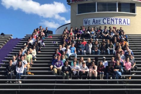 Class of 2018 Bundle Up For Senior Picnic Day