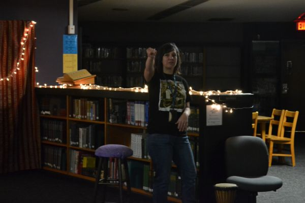Sophomores Participate in Annual Poetry Slam