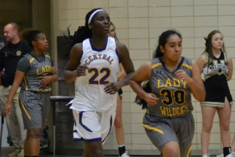 Lady Pounders Basketball Perseveres Towards Improving