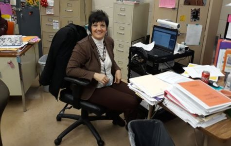 DARLENE SPEARS CONTINUES TO HELP STUDENTS EXCEL IN SPANISH  I -- Spears plans on picking up where former Spanish I teacher, Jennifer Allen, left off, and continues to help students master the language.