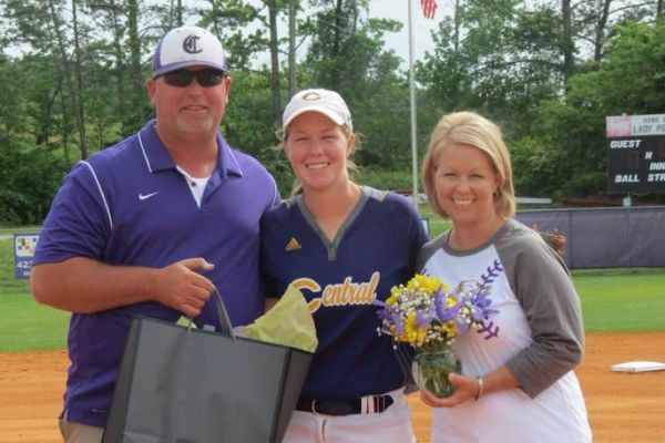 CLIFF MORGAN ('96) CONTINUES A LEGACY BEYOND BASEBALL-- Morgan (left) stand with his daughter Tatum Morgan(Center) and Wife (Stacy)