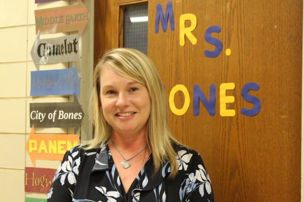 ENGLISH 9 AND 10 INSTRUCTOR MISTY JONES IS WARMLY WELCOMED ONTO CENTRAL'S STAFF -- Mrs. Misty Jones welcomes students into her new English classroom.