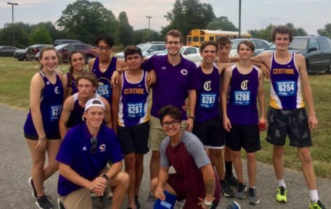 Central's 2019 Cross Country Team Works Diligently to Keep up Improvement