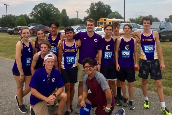 CENTRAL'S 2019 CROSS COUNTRY TEAM GIVES IT THEIR ALL -- The cross country team near the beginning of the season poses with Former Coach Joyner and Coach Parrott.