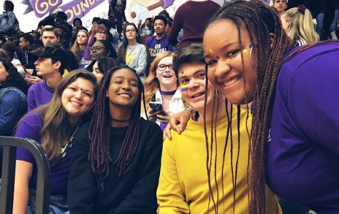 DO CLIQUES STILL EXIST IN TODAY'S HIGH SCHOOL? -- Students ponder whether or not stereotypical friend groups are still prevalent in high school.