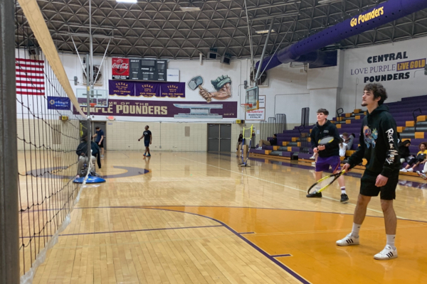 FITNESS CLASSES FACE CHALLENGES WITH MIXED LEARNING -- Former seniors Hunter Jones and Chris Kouris compete in their class's badminton tournament. File photo from 2020.
