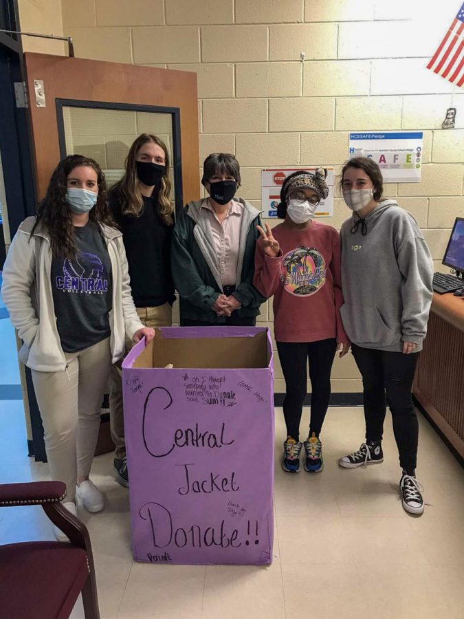 National Honor Society (left to right: Carmen Crabtree, Blake Catlett, Peggy Moyer, Andrenique Moore, Ashlee Smith) drops off outerwear to Orchard Knob Elementary School.