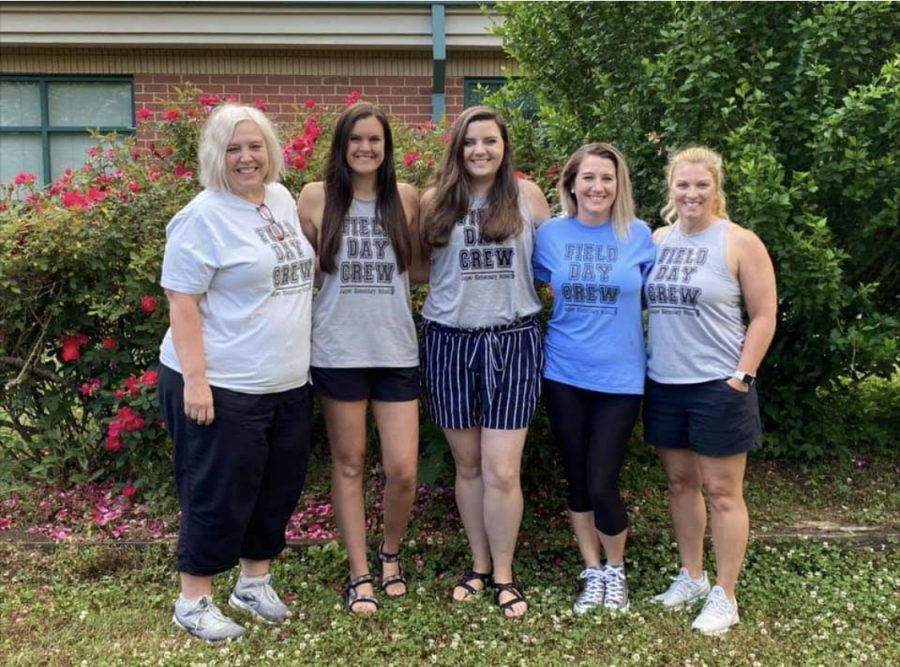FORMER DIGEST EDITOR ALLIE NEDEAU ANASTAS IS NOW AN EDUCATOR -- Anastas, with her fellow teachers, is ready for a field day at Jasper Elementary School.